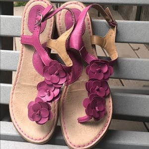 Merona Floral pink t-strap faux leather flatsandal